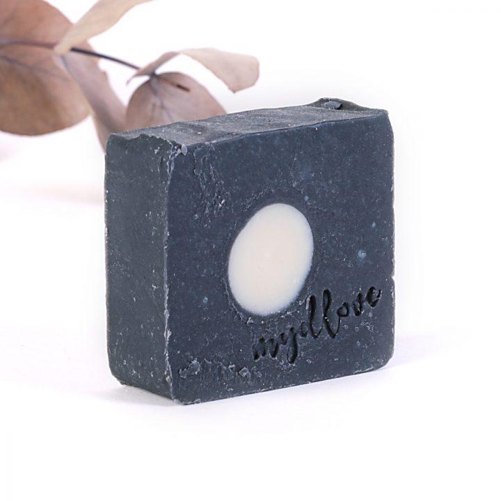 Prírodné mydlo z kozieho mlieka aktívne čierne uhlie proti akné