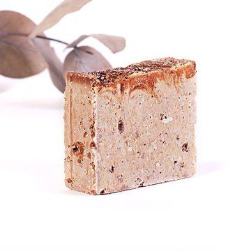 prírodné pílingové mydlo soľné kávové