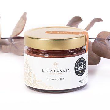 Slowtella - orechové maslo z lieskovcov a kaka