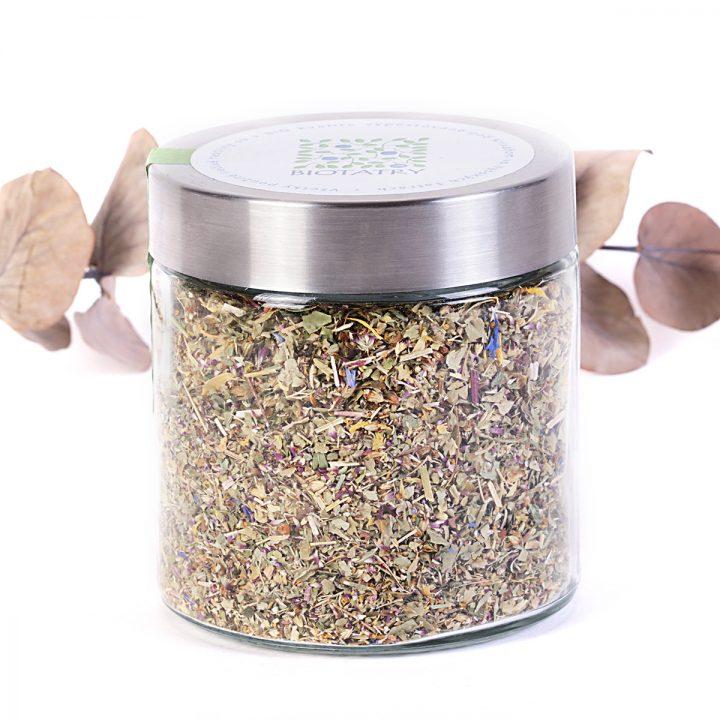 ženský bylinkový čaj