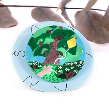 eko udržateľná upcyklovaná brošňa strom