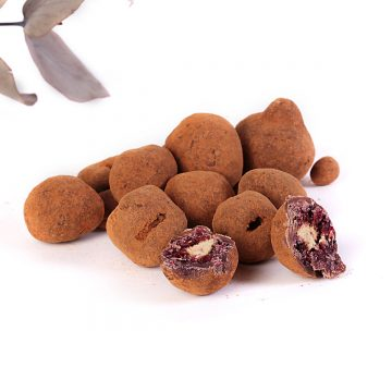 lyofilizované černice v mliečnej čokoláde a škorici