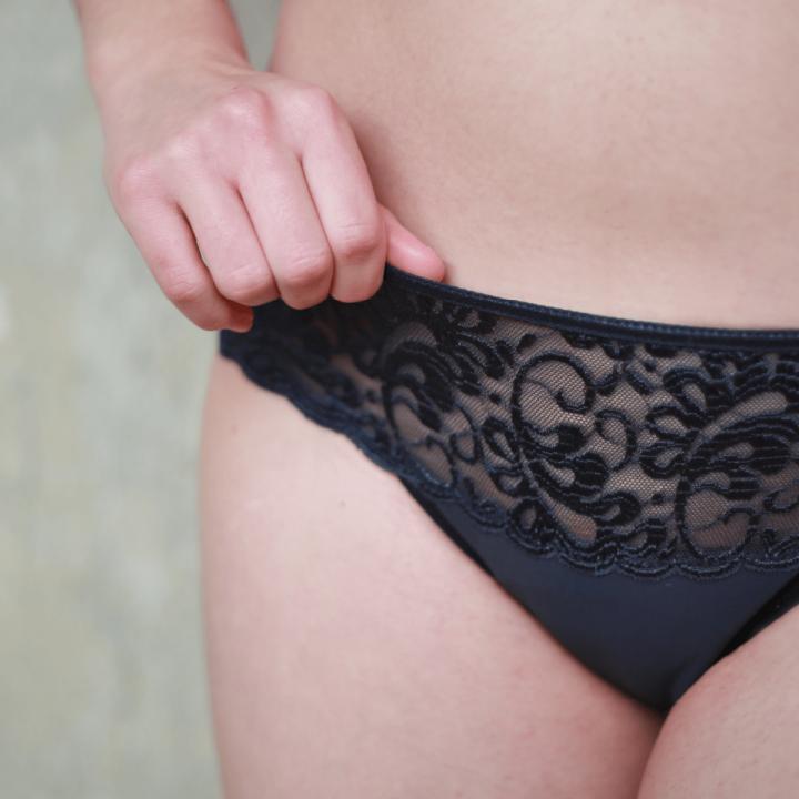 menštruačné nohavičky níkze modré s krajkou sayu